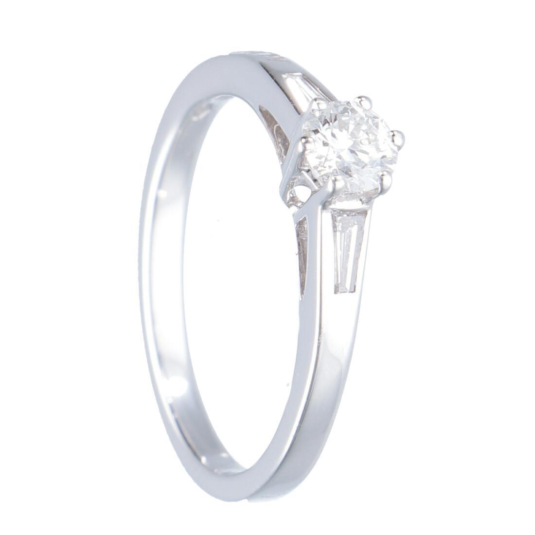 Anello solitario in oro bianco con diamante mis 13 - ALFIERI & ST. JOHN