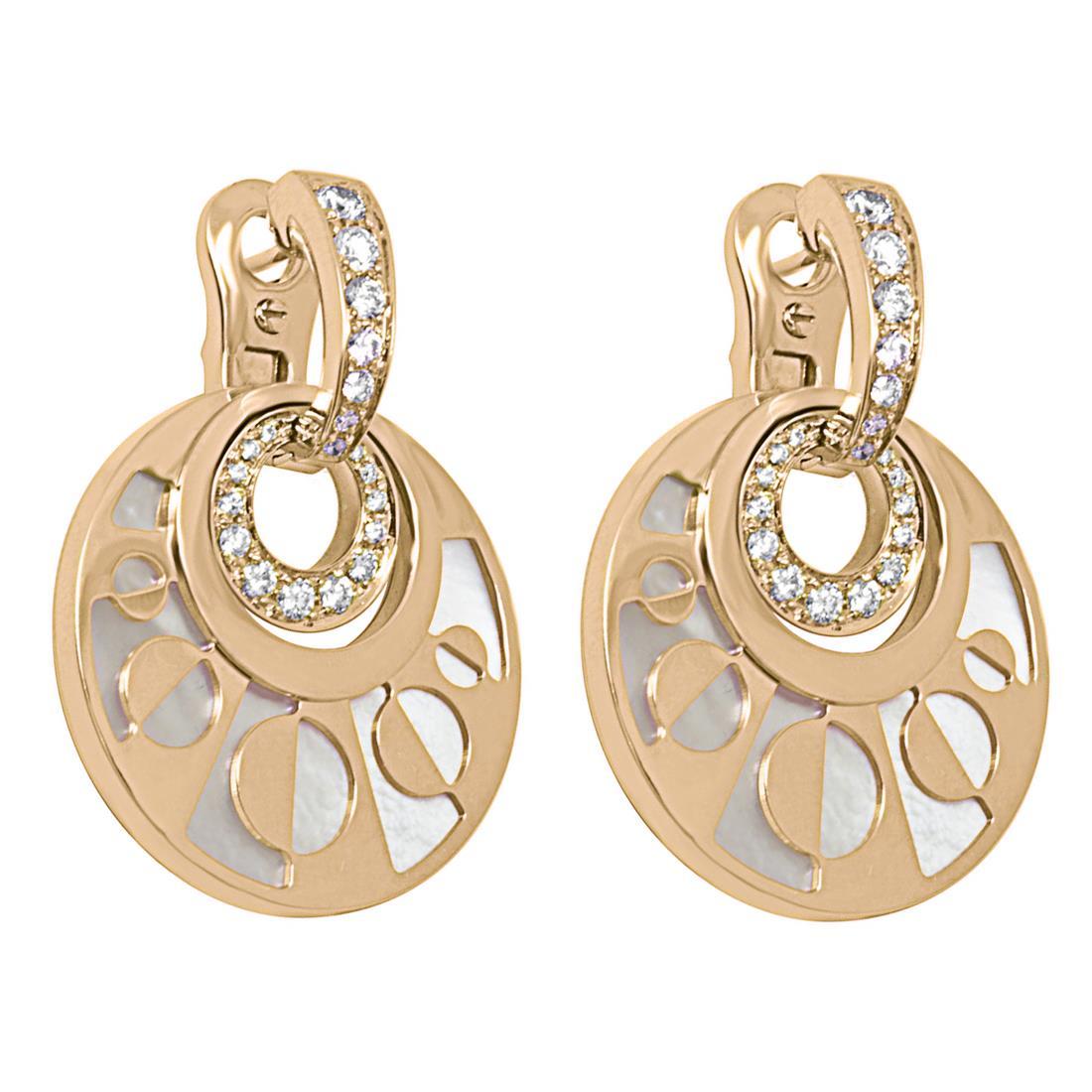 Orecchini in oro rosa con diamanti e madreperla bianca - BULGARI