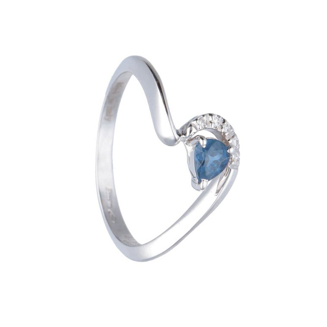 Anello in oro bianco con diamanti e zaffiro ct. 0,30 - ALFIERI & ST. JOHN