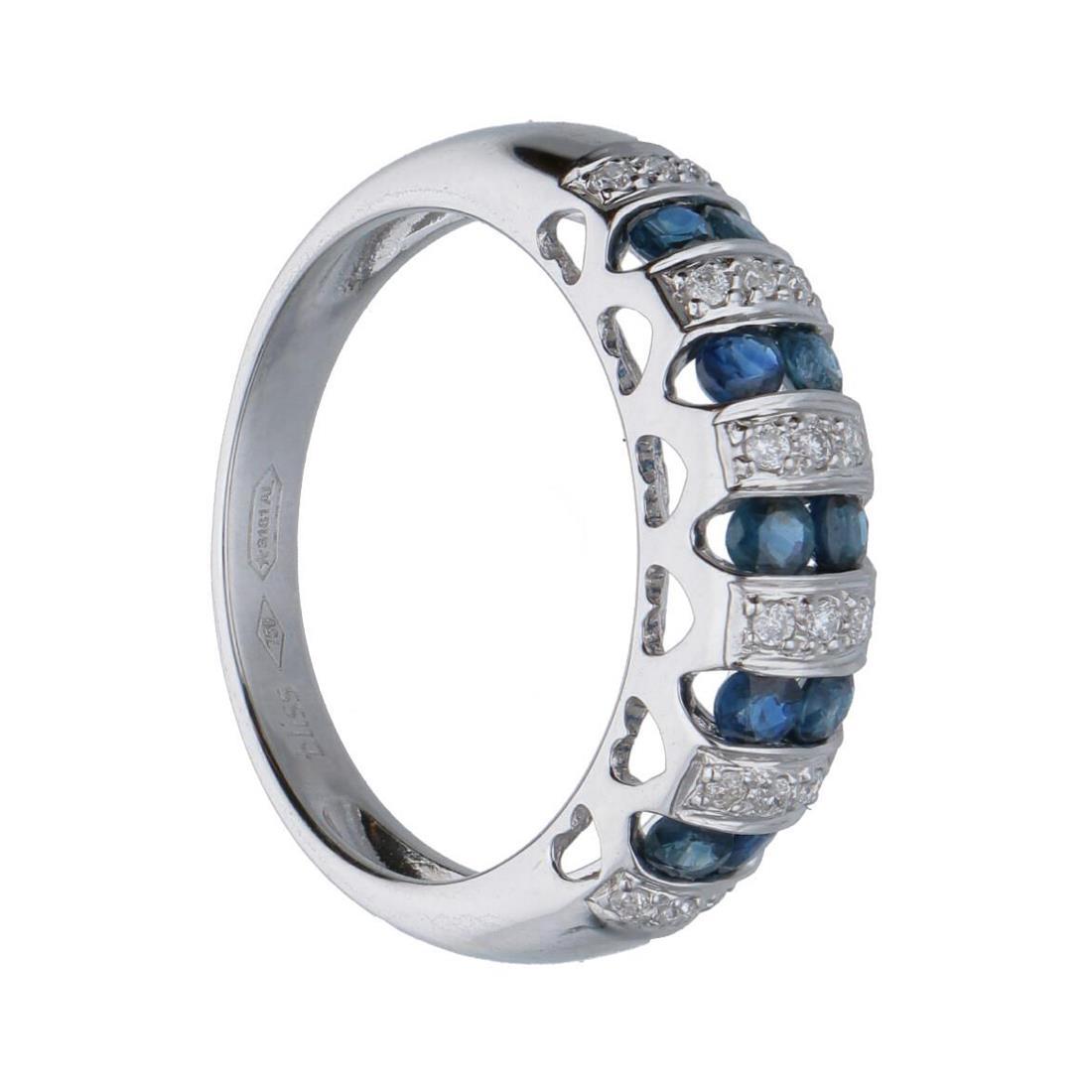 Anello in oro bianco con diamanti e zaffiri ct. 0,70 - BLISS