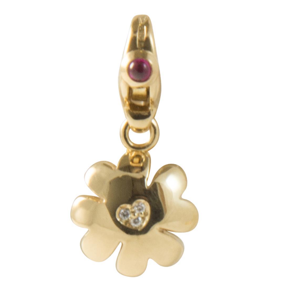 Ciondolo quadrifoglio charm in oro giallo con diamanti ct 0.02 e rubini ct 0.06 - PASQUALE BRUNI