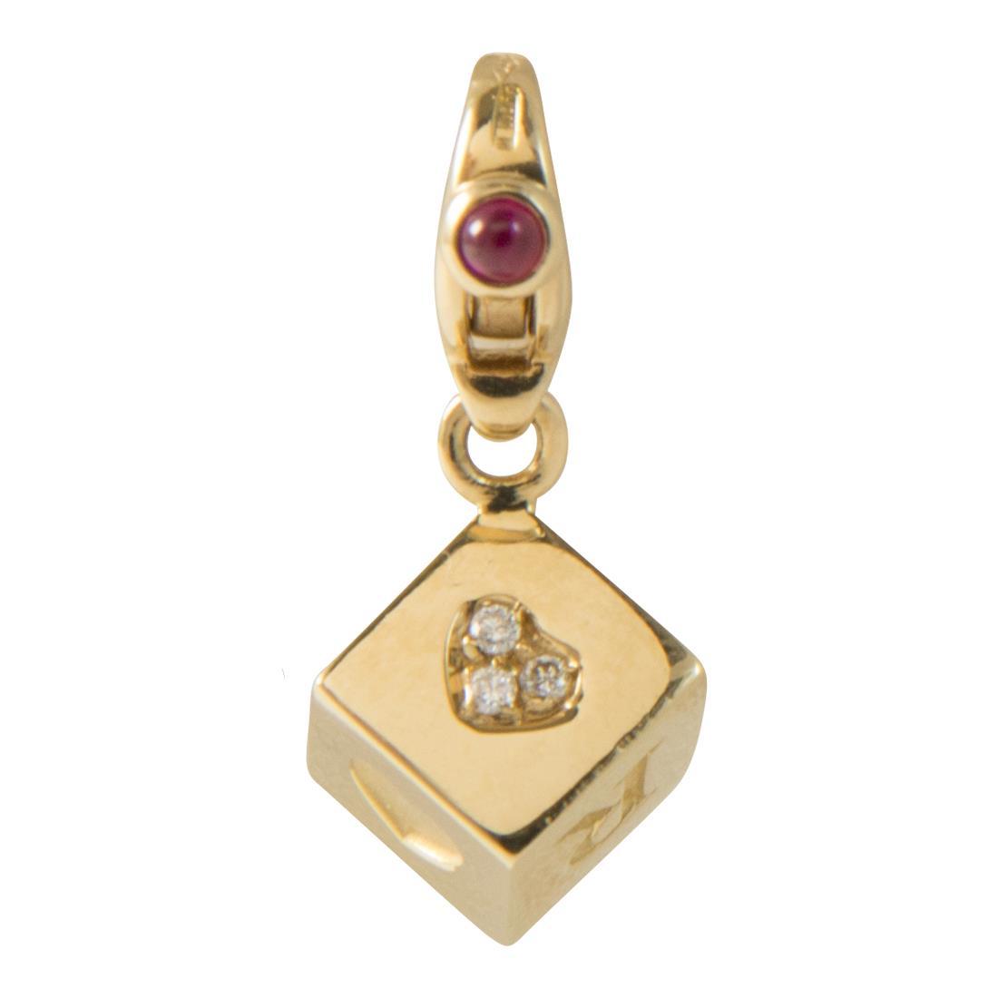 Ciondolo dado charm in oro giallo con diamanti ct 0.02 e rubini ct 0.06 - PASQUALE BRUNI