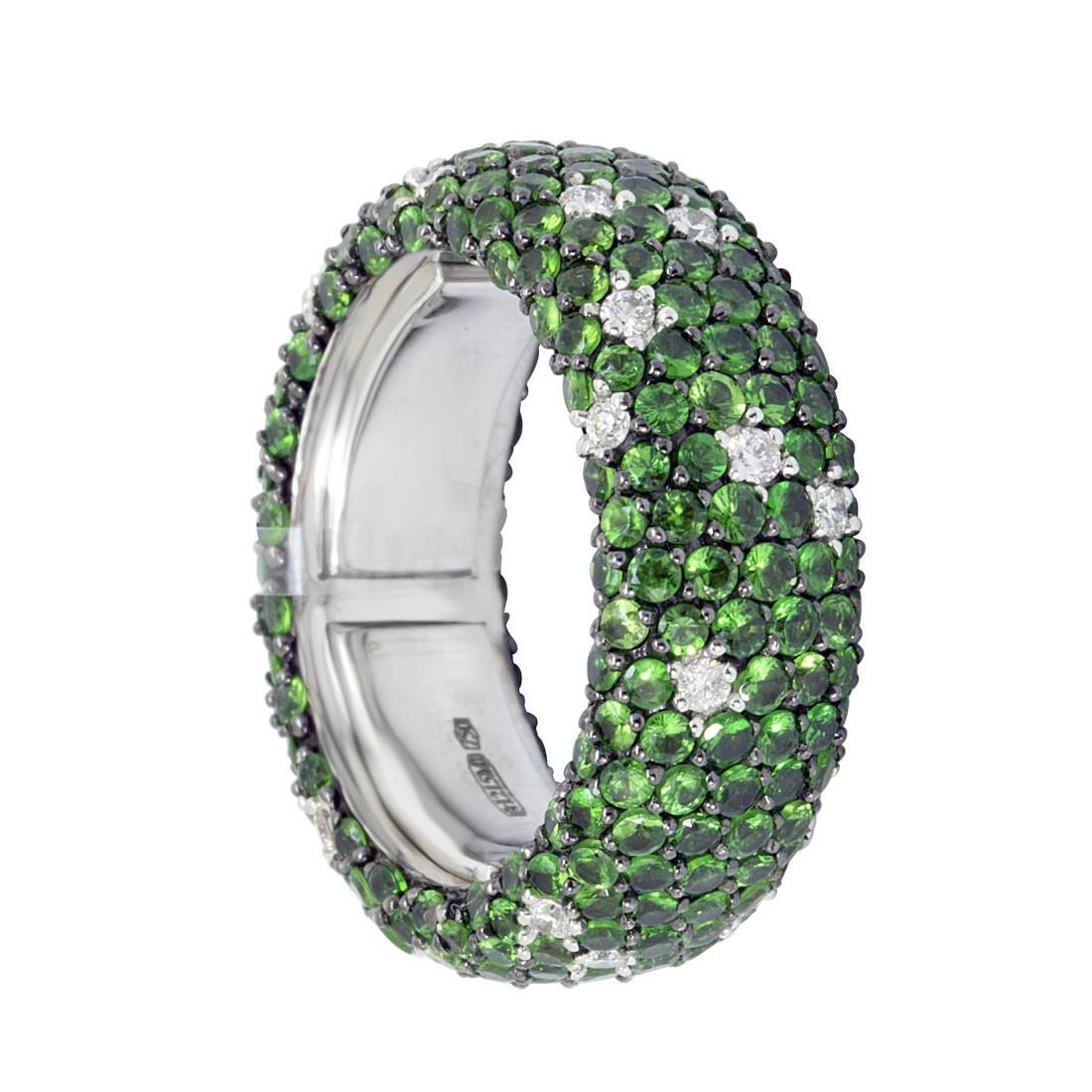 Anello eternity in oro bianco con diamanti ct 0.56 e tsavorite ct 5.36 - ALFIERI ST JOHN