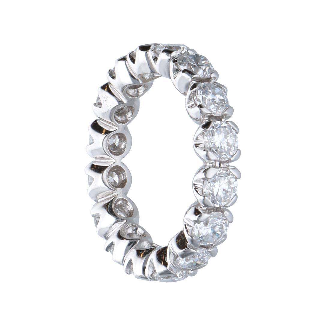 Anello eternity in oro bianco con diamanti 2.87 ct mis 12.5 - ALFIERI ST JOHN