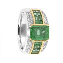 Anello in oro bianco con diamanti ct 1.00 e smeraldo centrale Columbia ct 2.40, e smeraldi laterali ct 1.00, misura 14 - ALFIERI ST JOHN